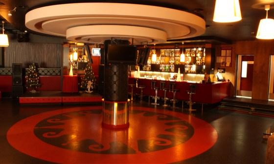 Ресторан Tennispark - фотография 3 - Центральный зал на 150 гостей
