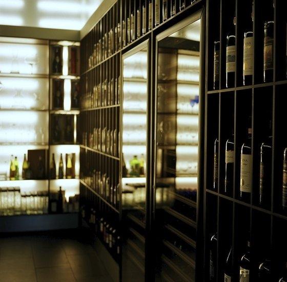 Ресторан Simple Wine Bar - фотография 7