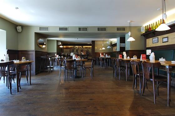 Ресторан Пилзнер - фотография 9 - Интерьер