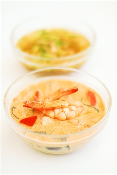 Ресторан Воккер - фотография 13 - Супы.  Том ям с креветками, 400 мл 250,–  Суп азиатский грибной - только в Суперменю дня.