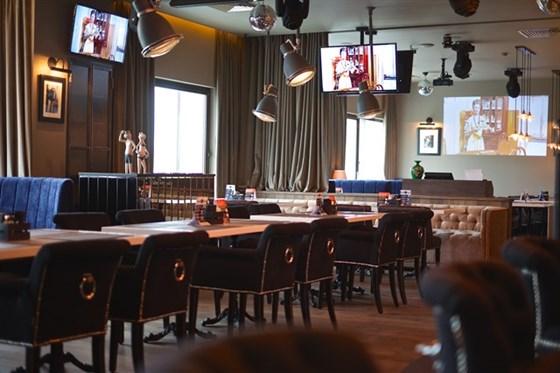 Ресторан Bar-in - фотография 9 - Основной зал BAR-IN