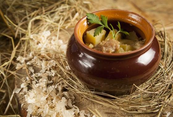 Ресторан Лесоруб - фотография 4 - Жаркое из курицы с грибами 140 р.