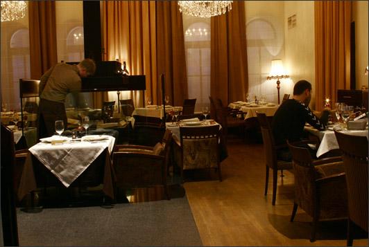 Ресторан Петровский - фотография 8