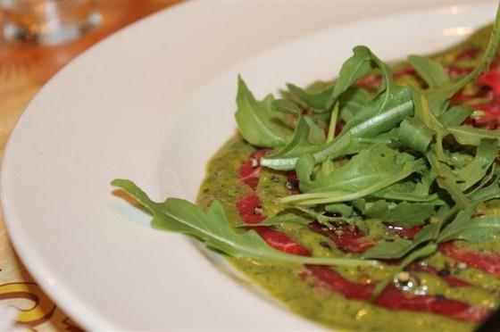 Ресторан Листья - фотография 3 - Карпаччо из говядины