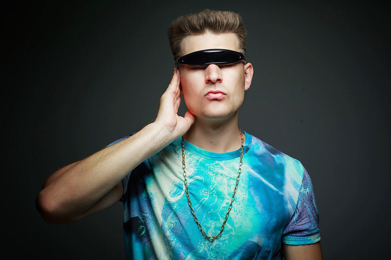 Похоть в новом клипе DJ Oguretz