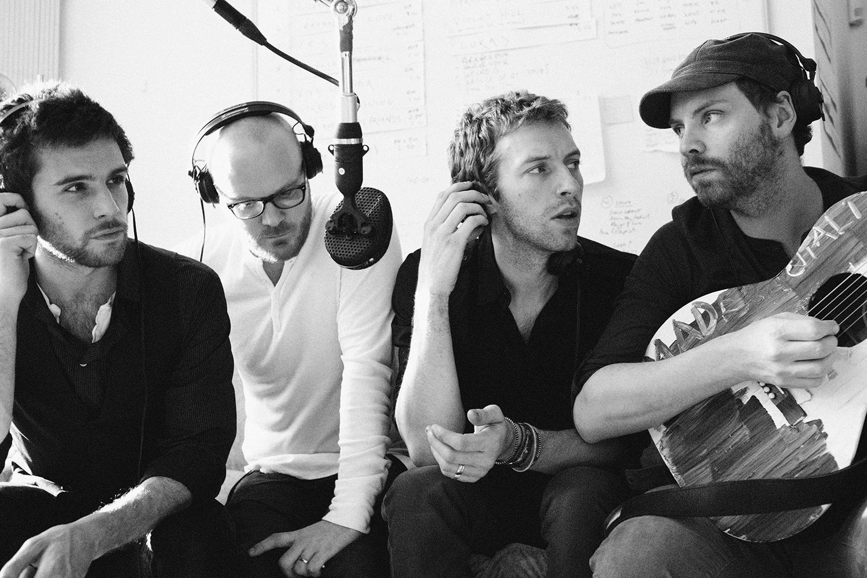 Радостный ролик от меланхоличных Coldplay