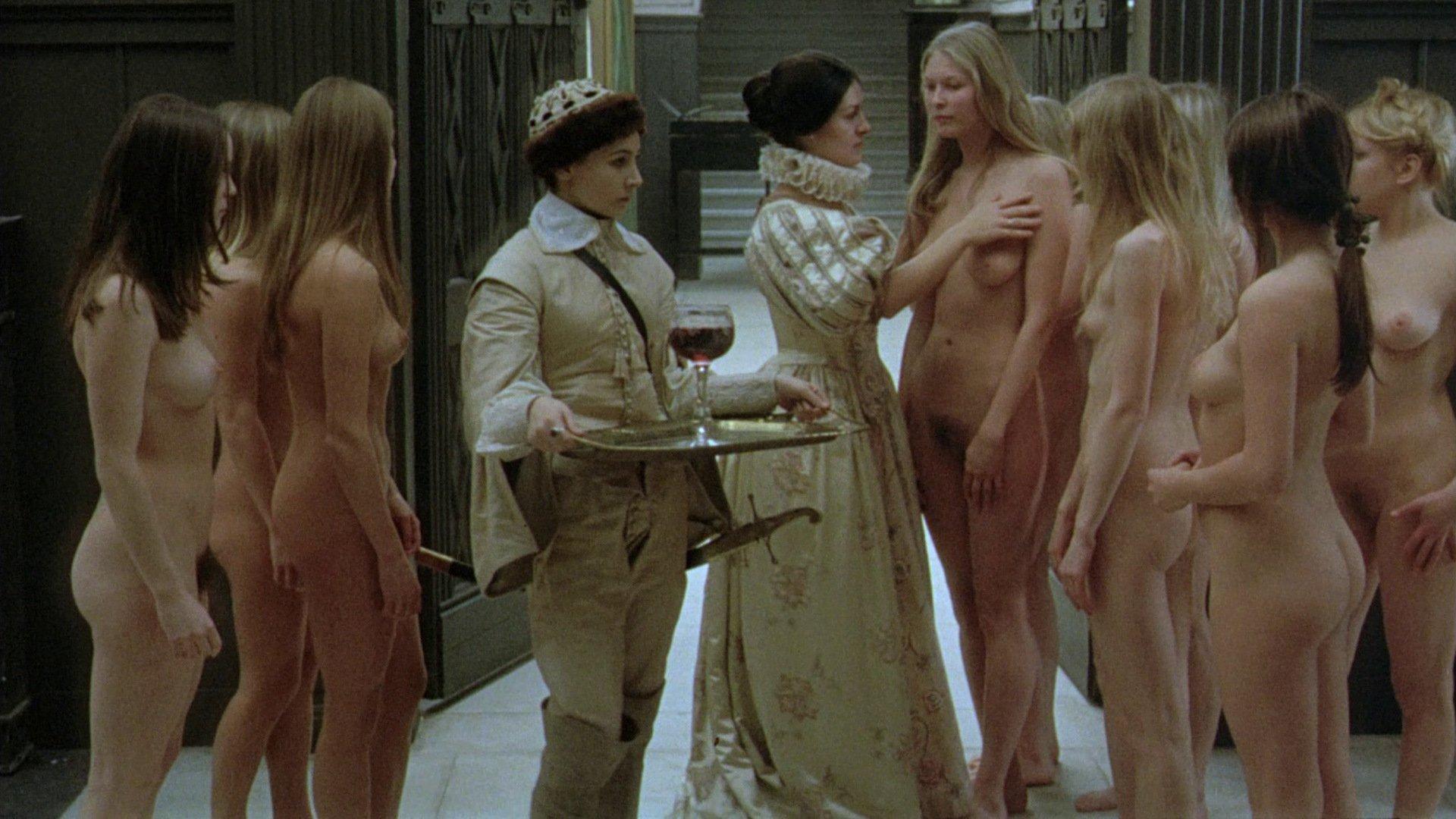 этого тоже голые из художественных фильмов они стараются
