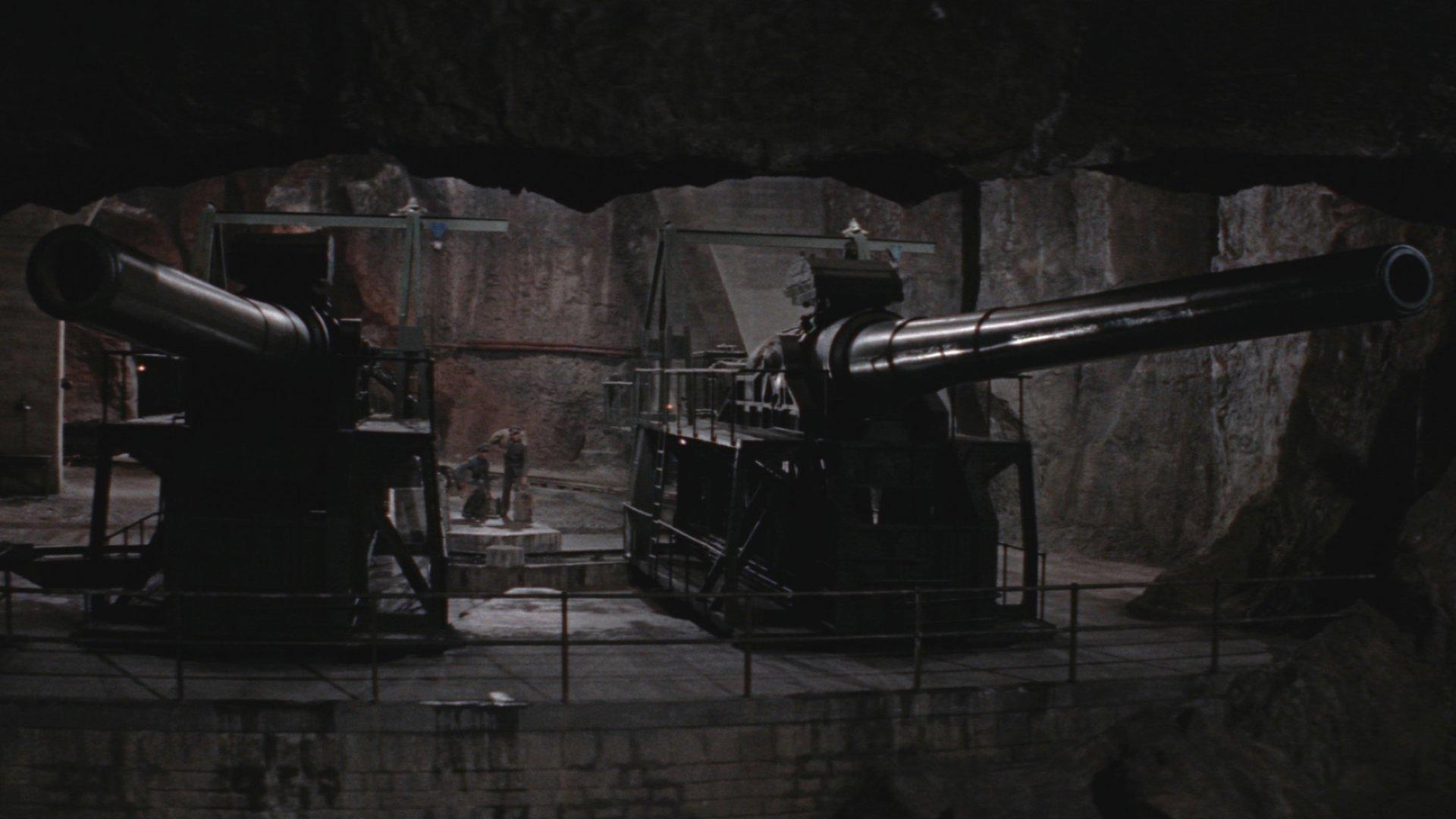 Пушки острова Наварон смотреть фото