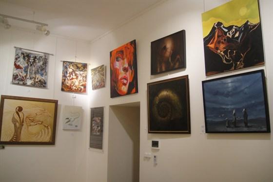 Фото галерея D.E.V.E.