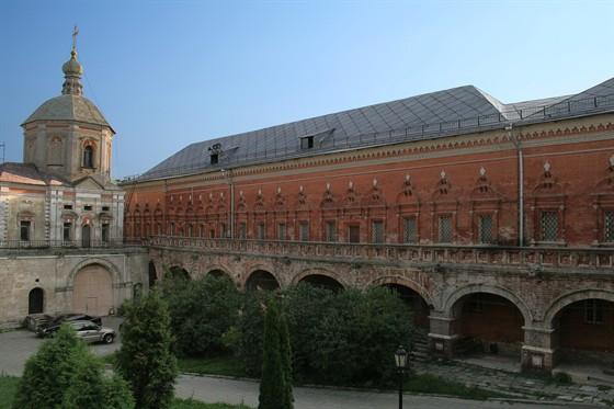 Фото концертный зал Палаты Высокопетровского монастыря (Литературный музей)