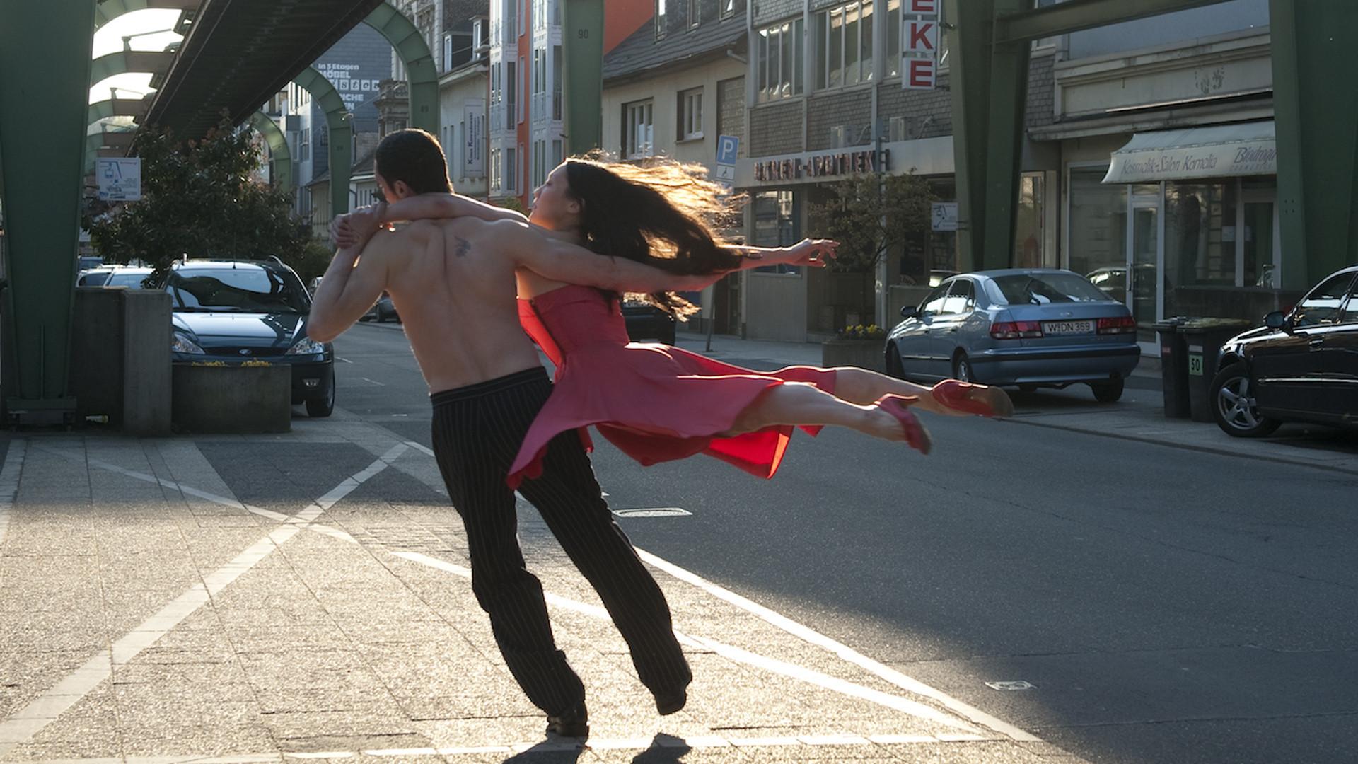 Пина: Танец страсти смотреть фото