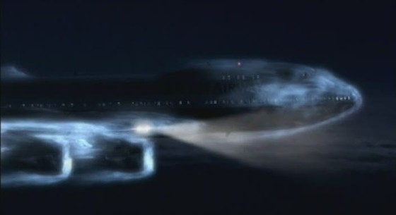 Самолет над вулканом. Сквозь облако пепла смотреть фото