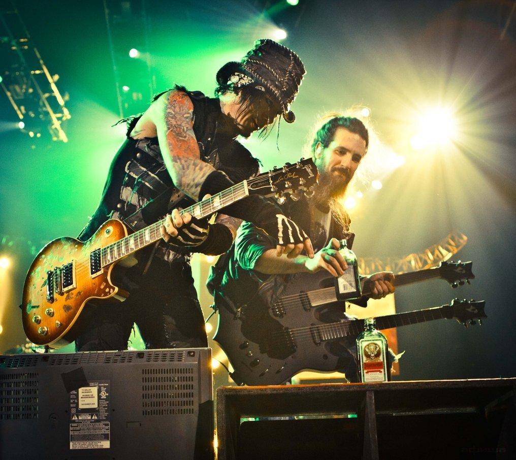 Guns N' Roses смотреть фото