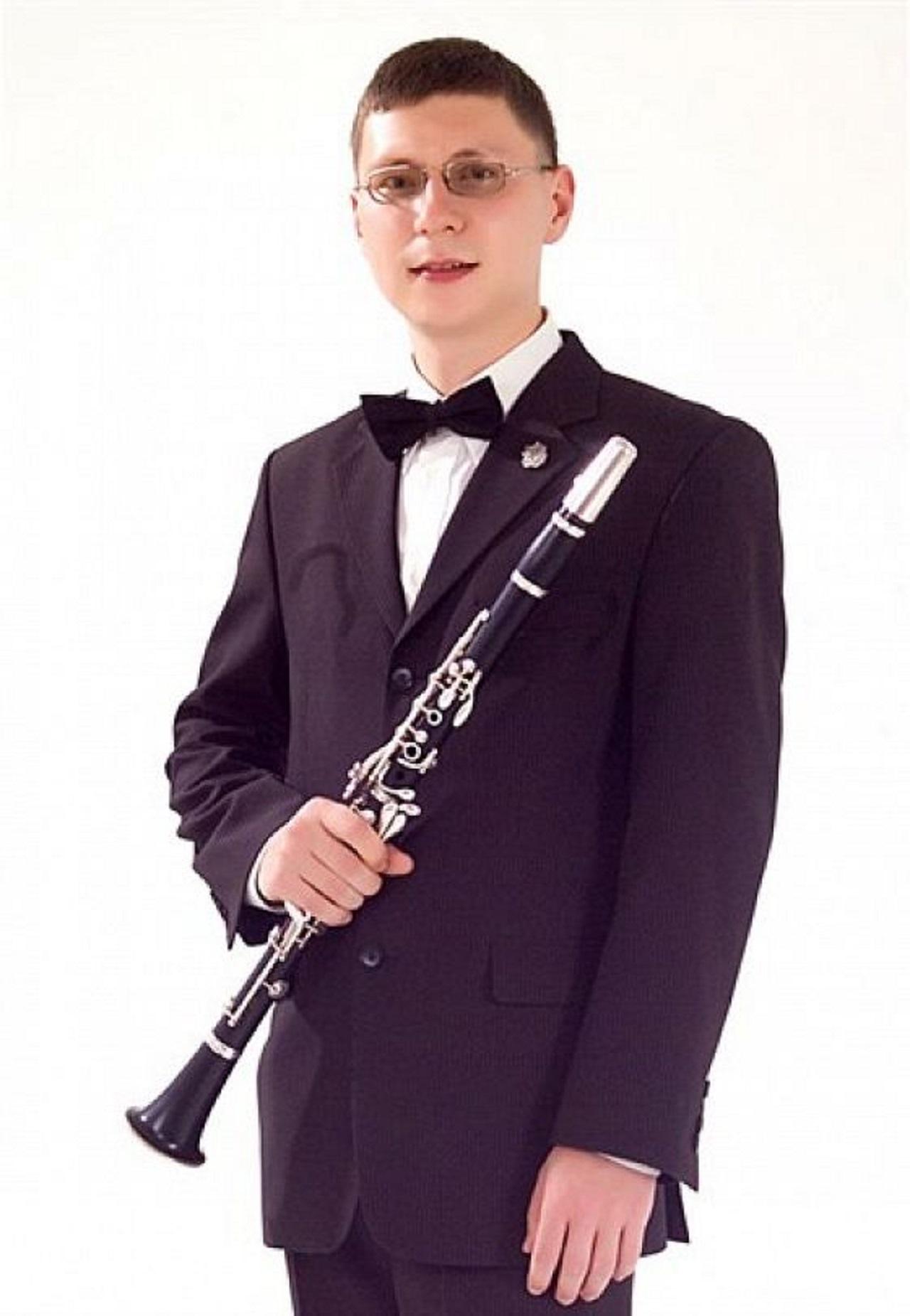 Юрий Таштамиров (саксофон), Вадим Марков (фортепиано) смотреть фото