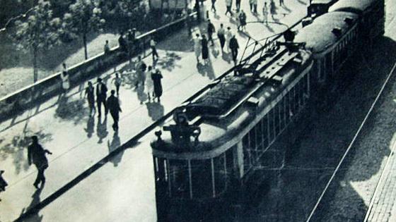 Москва 1930-х годов в фотографиях и детских рисунках