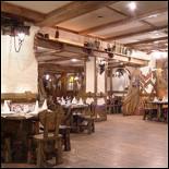 Ресторан Кучер - фотография 2 - Общий вид