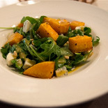 Ресторан Abajour - фотография 4 - Салат с тыквой