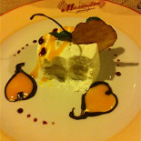 Ресторан Малиновка - фотография 4 - И напоследок десерт )))) творожный тортик с грушей