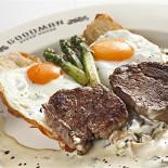 Ресторан Goodman - фотография 3 - завтрак в GOODMAN