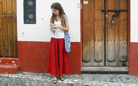 «Заходишь в лифт — знакомишься со всеми»: русско-кубинская художница о Мадриде