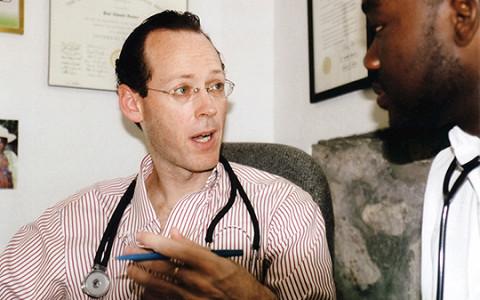 «За горами — горы»: биография врача, который знает настоящую причину эпидемий