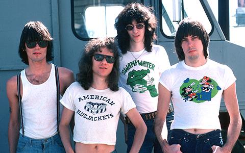 «Blitzkrieg Bop» Ramones