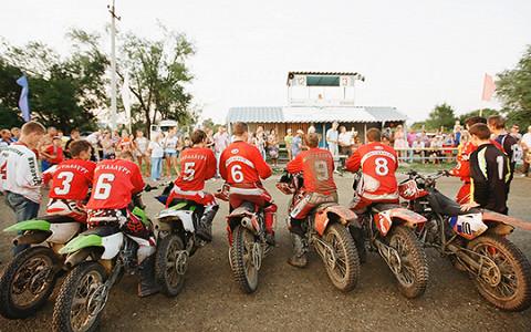 Кто и зачем играет в российских командах по мотоболу — футболу на мотоциклах