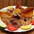 Ресторан Бейрут  - фотография 13 - Ливанская маза - пробовать обязательно! Все закуски на одной тарелке: хомус, мтаббал, баба-гануш, зелёная фасоль, мхамара, шанглиш, долма