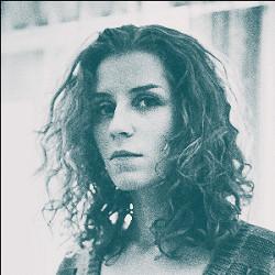 «Все, что идет через компьютер — это неправда»: Алина Орлова о новом альбоме