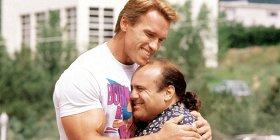 Арнольд Шварценеггер и Дэнни ДеВито сыграют в сиквеле «Близнецов». Новый фильм будет называться «Тройняшки»