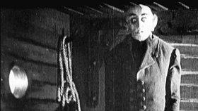 Кусь и старые кружева: фильмы про вампиров, которые переживут века