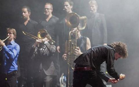Фестиваль голландской культуры, выставка Мондриана, марафон и три спектакля