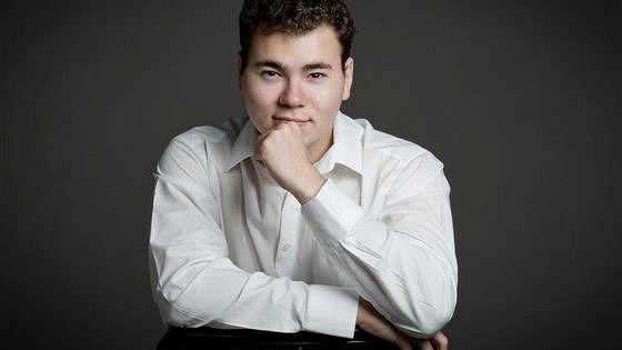 Илья Дрознин