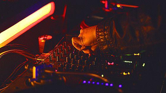 Hardfloor (Германия), DJs Comass Vrubell, Sergey Sanchez, Mike Spirit, Sergey Sapunov, Zorkin, Arram Mantana