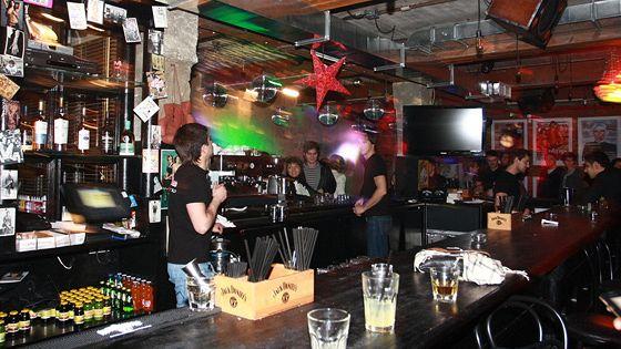 Rolling Stone Bar