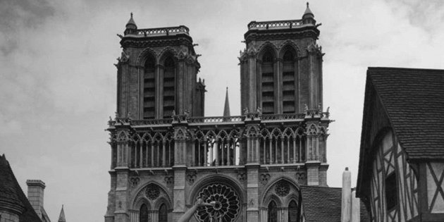фильмов, в которых можно увидеть Собор Парижской Богоматери целым