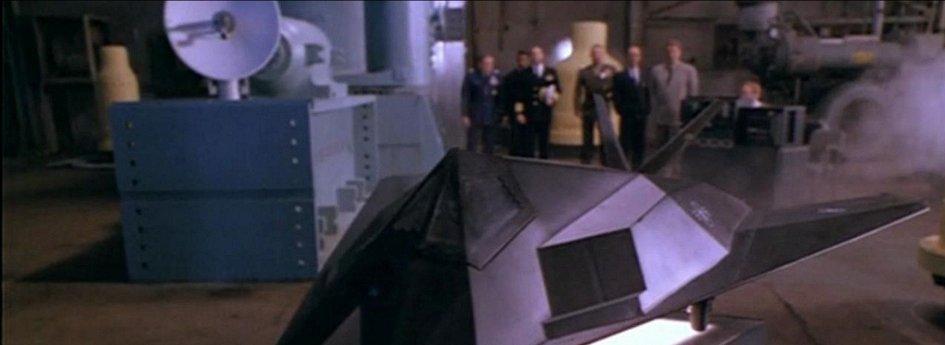 Кино: «Эксперимент Филадельфия-2»