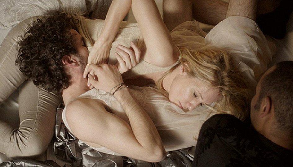 считаю порку просмотр российских фильмов с элементами эротики говорят