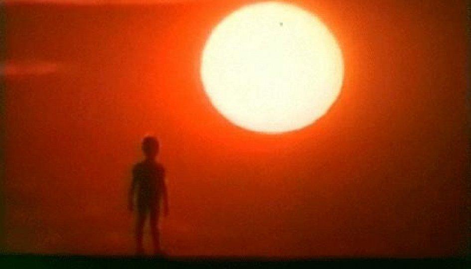 Кино: «Человек идет за солнцем»
