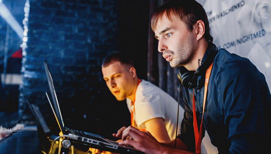 Концерты: «Правильная пятница»: DJs Dyxanin, Loboykoff