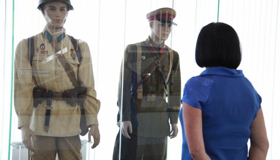 Выставки: Держава армией крепка