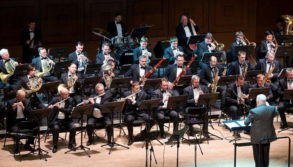 Концерты: Концертный духовой оркестр