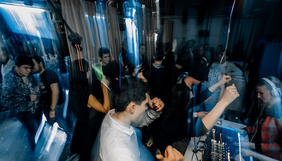 Концерты: «Подворотня»: DJs Sova, Kras