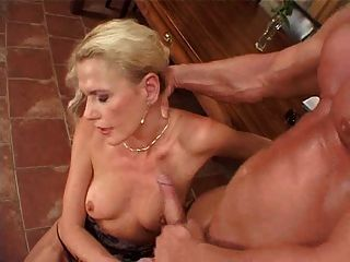 Why do women squirt cum