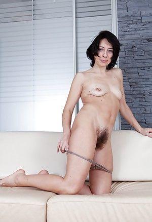 Sex classy brunette xxx milf
