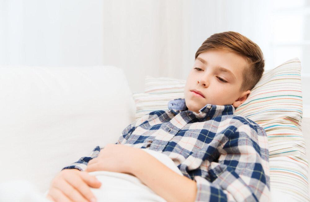 Болит животик у ребенка 5 месяцев