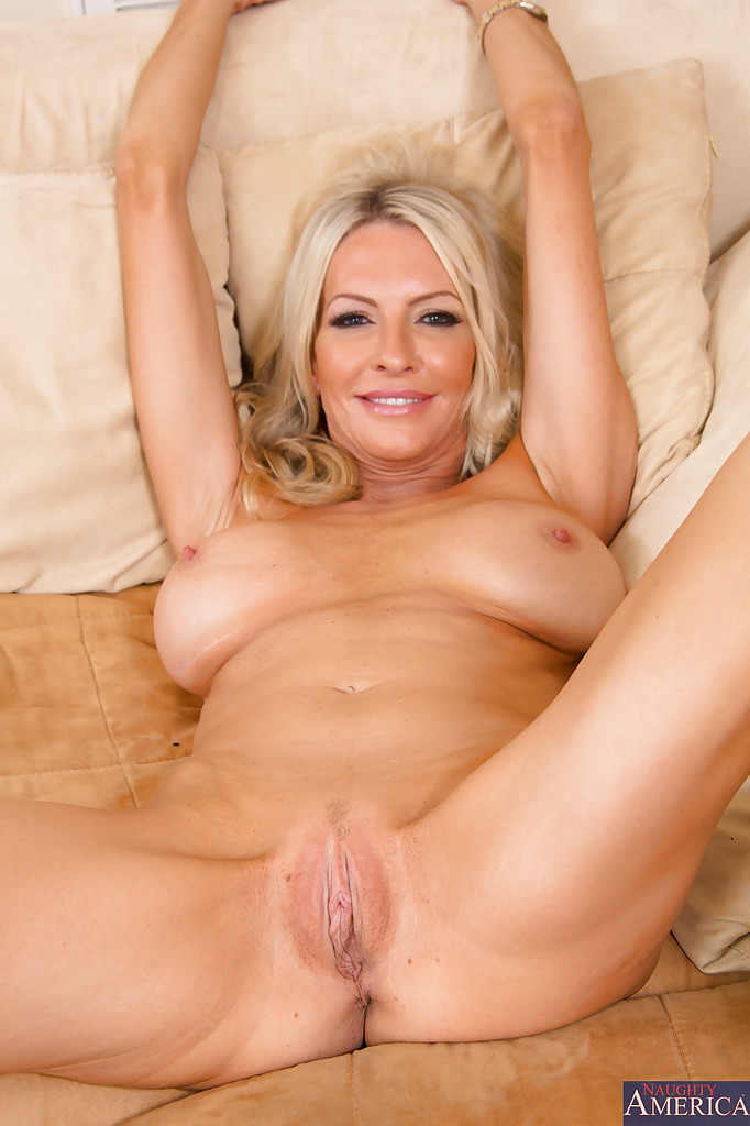 Mom nude hot blonde milf