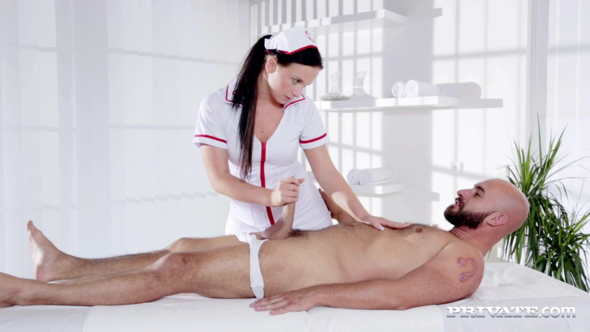 Девушки делают массаж члена парню — img 11