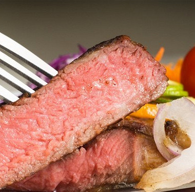 Рецепт Бифштекс изотварного мяса слуком
