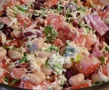 Рецепт Салат сфасолью икопченой колбасой